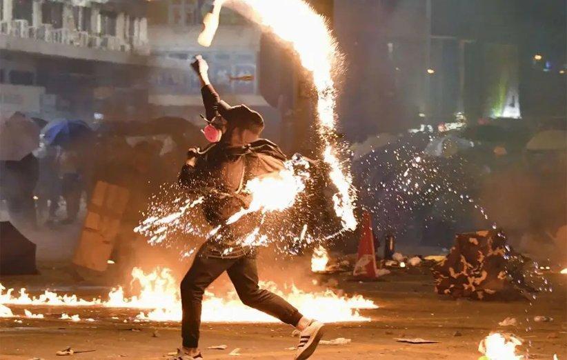 پیغام های سیاسی پیرامون اعتراضات هنگ کنگ در برنامه وی چت سانسور می شوند