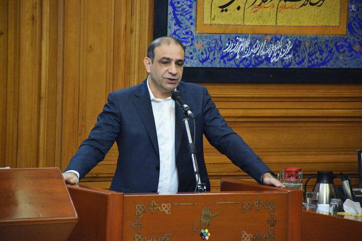 انتقاد رییس کمیسیون حمل و نقل شورای شهر از یاری نکردن به توسعه ناوگان