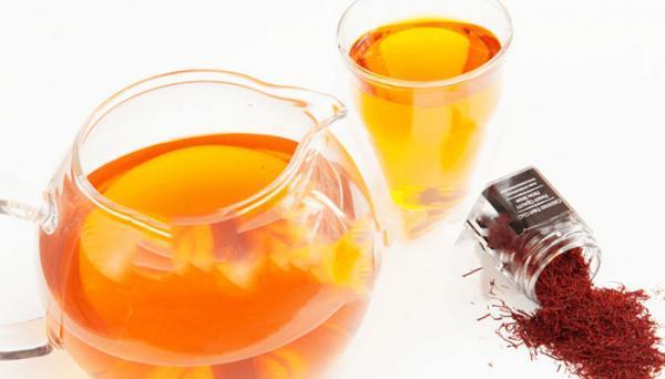 طرز تهیه شربت گلاب و زعفران؛ یک نوشیدنی دلپذیر و مجلسی