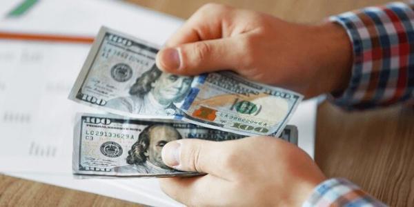 بالاترین حقوق ها در آمریکا را چه کسانی می گیرند؟