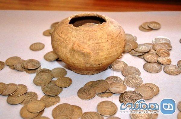 کشف سکه های تاریخی با همکاری پلیس قزوین و کاشان