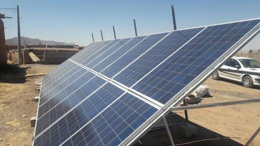 نصب 14 فقره انشعاب مولدهای خورشیدی در دهگلان